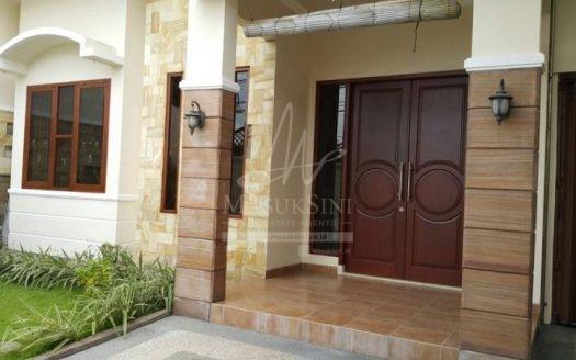 Dijual Rumah di Pinggir Jalan Madiun