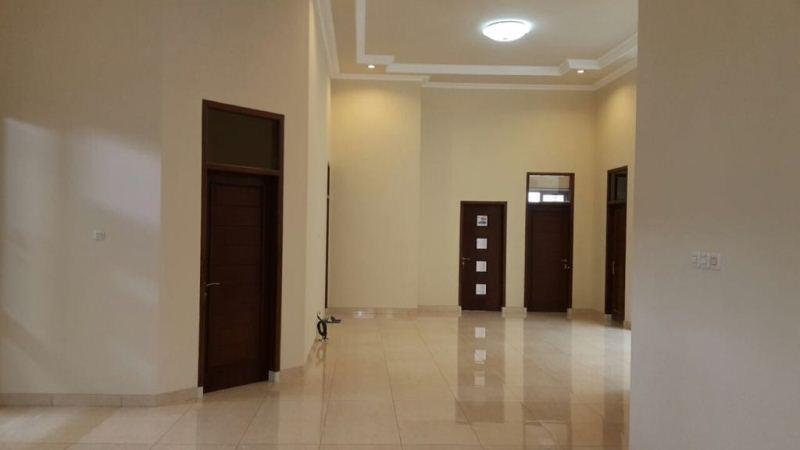 Dijual Rumah di Pinggir Jalan Madiun RT
