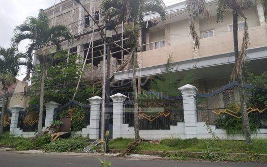 Rumah 3 Lantai di Soekarno Hatta Indah Malang