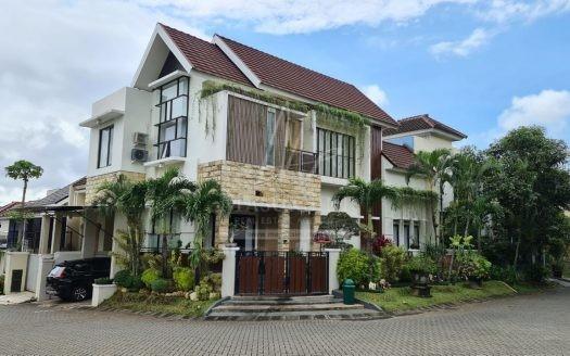 Rumah Mewah Dijual di Villa Puncak Tidar Malang