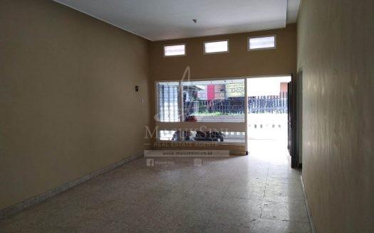 Rumah Siap Huni di MT Haryono Dinoyo Malang