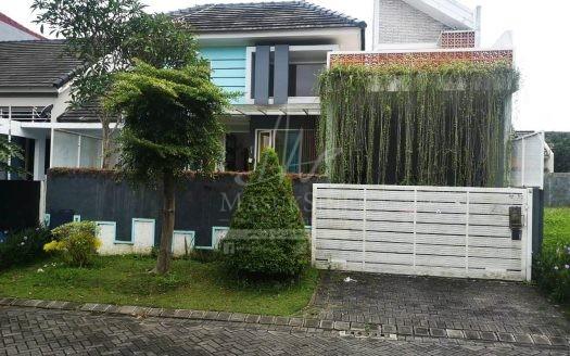 Rumah Fully Furnished Araya Dijual di Malang