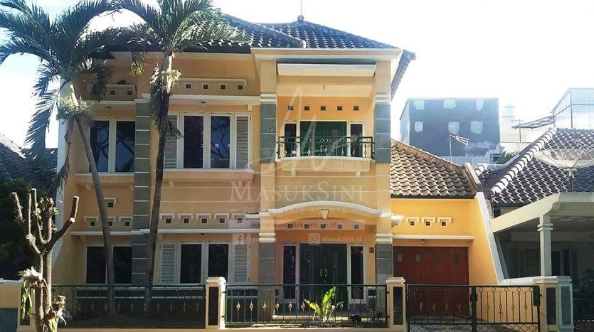 Rumah Mewah di Perumahan Permata Jingga Dijual Murah di Malang