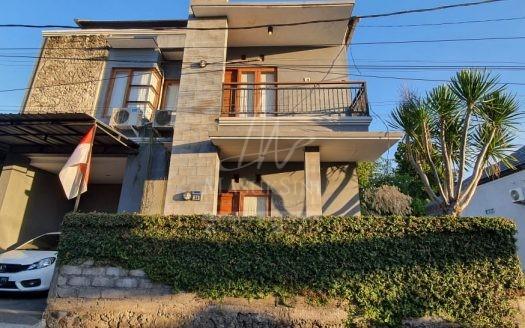 Rumah 2 Lantai di Taman Griya Jimbaran Dijual di Bali